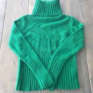 H&M green turtle neck sweater